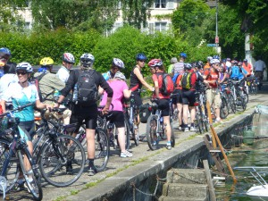 Massor av cyklister, lördag förmiddag