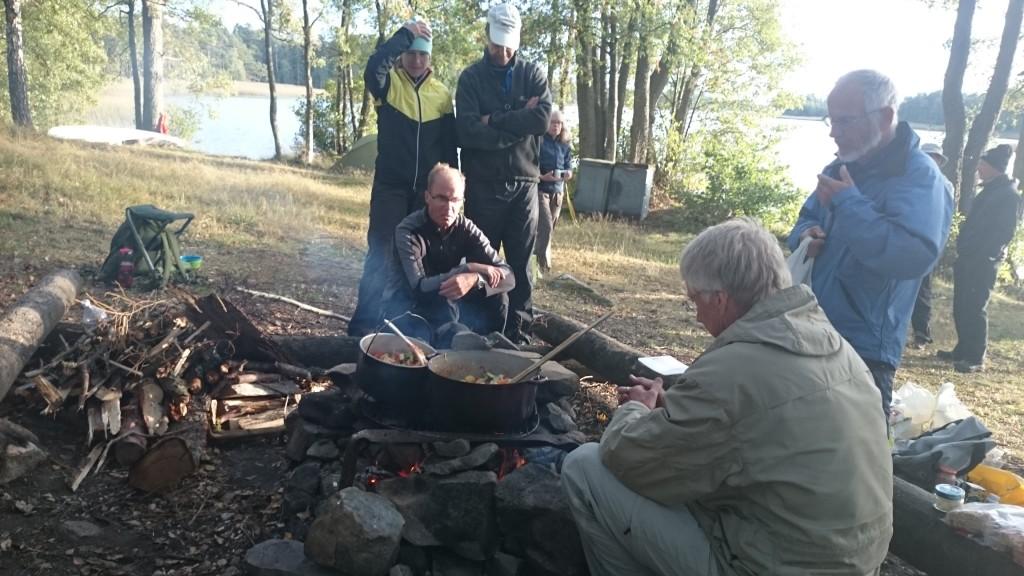 Samling vid grytan vid Åsnen