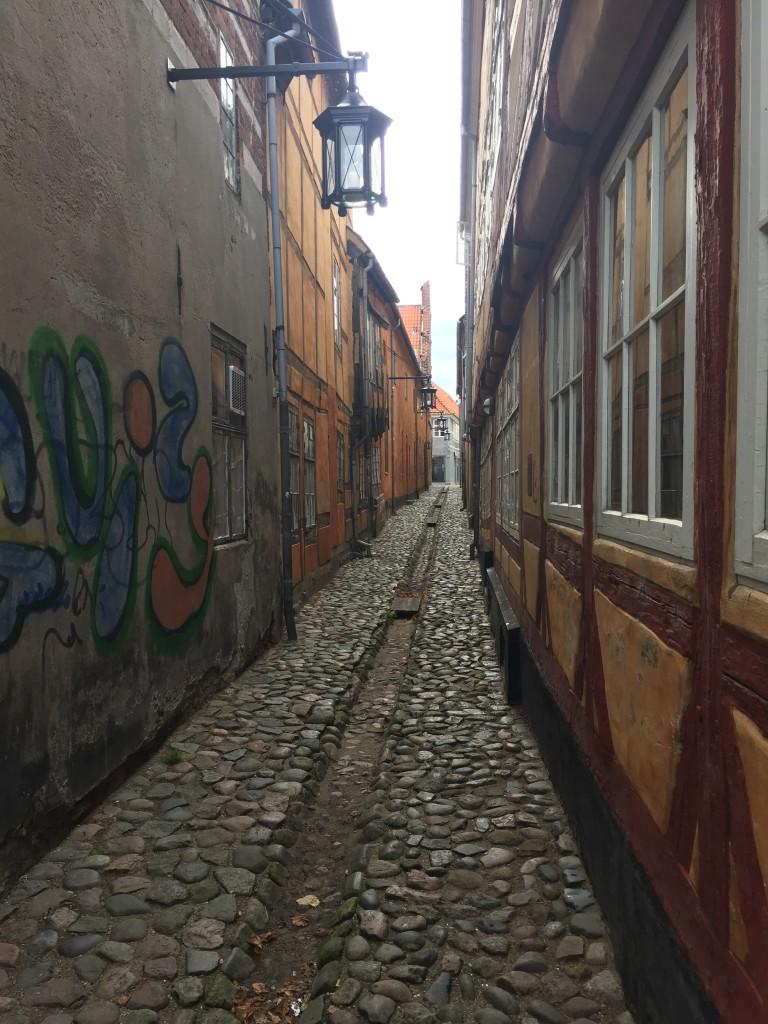 Välbevarad gata från förr